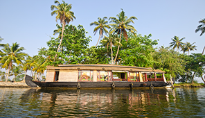 houseboat rentals from Tripadvisor